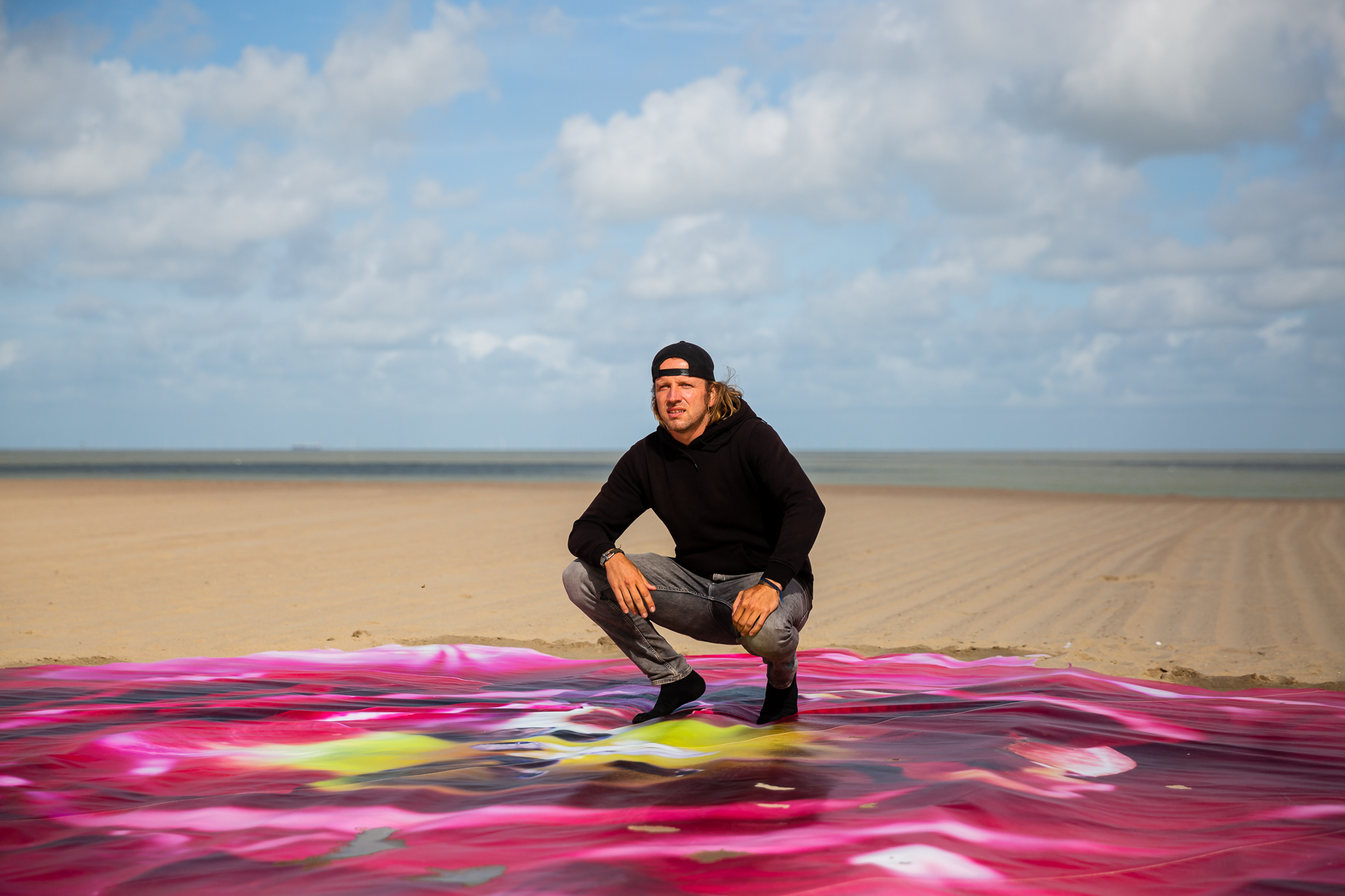 Wim Tellier: BEE XXL on the beach